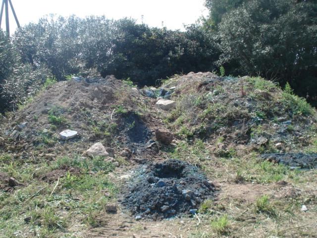 Stato-dei-luoghi-prima-della-bonifica-del-terreno-contaminato-da-amianto.jpg