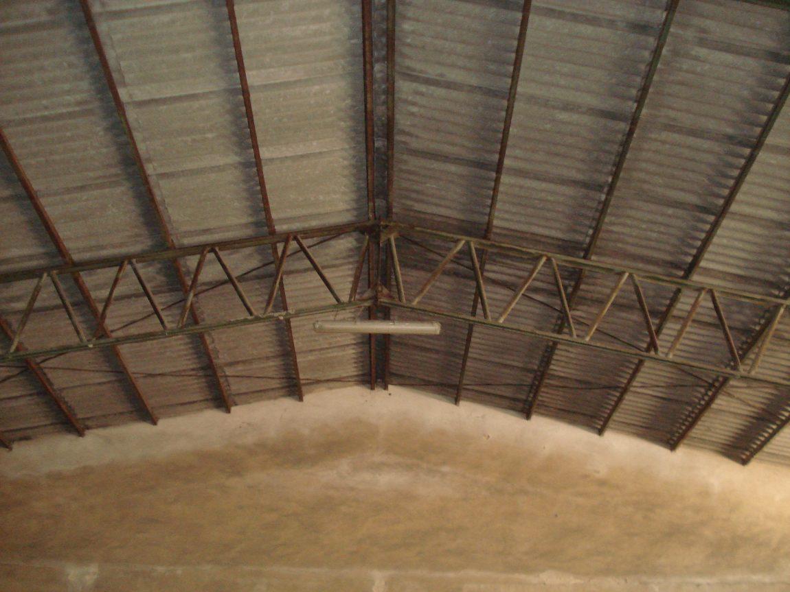 Stato-dei-luoghi-prima-della-bonifica-delle-lastre-di-copertura-in-cemento-amianto..jpg
